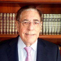 Dr. Julio González-Soria